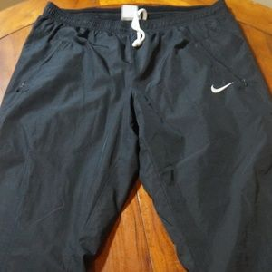 Womans Nike Lined Athletic Pants Sz 8/10
